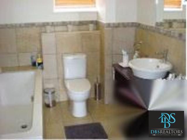 Illovo property to rent. Ref No: 3210460. Picture no 5