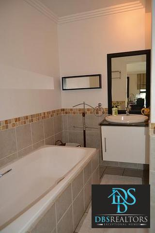 Sandown property to rent. Ref No: 3241533. Picture no 7