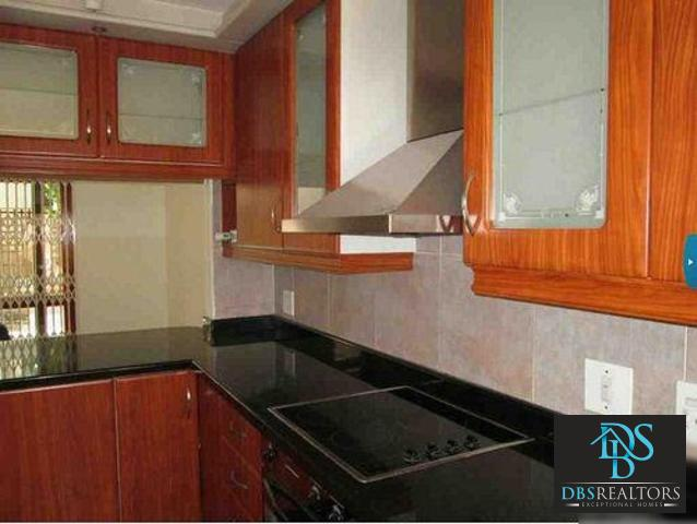 Houghton property to rent. Ref No: 3283115. Picture no 21