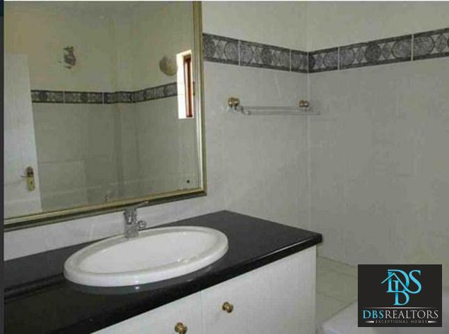 Houghton property to rent. Ref No: 3283115. Picture no 17
