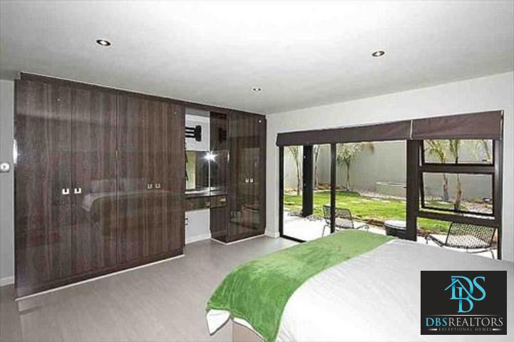 Sandown property to rent. Ref No: 3227987. Picture no 4