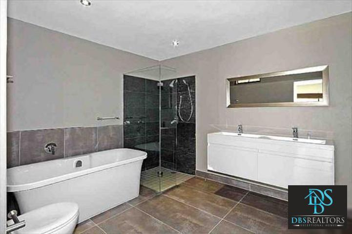 Sandown property to rent. Ref No: 3228163. Picture no 1