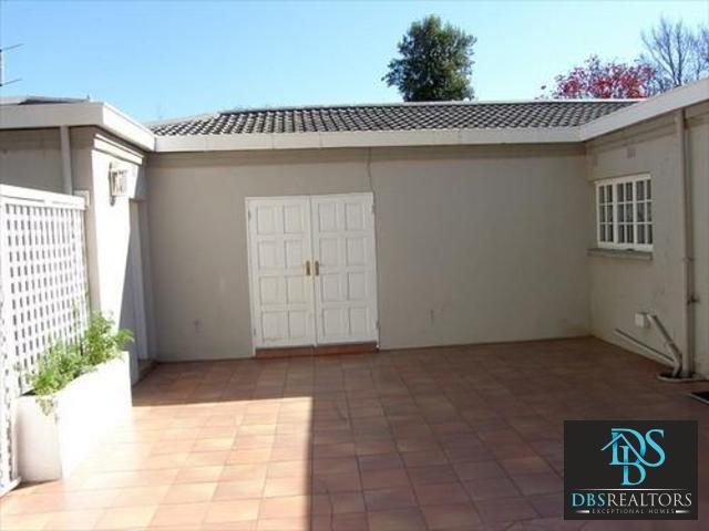 Sandown property to rent. Ref No: 3228780. Picture no 23