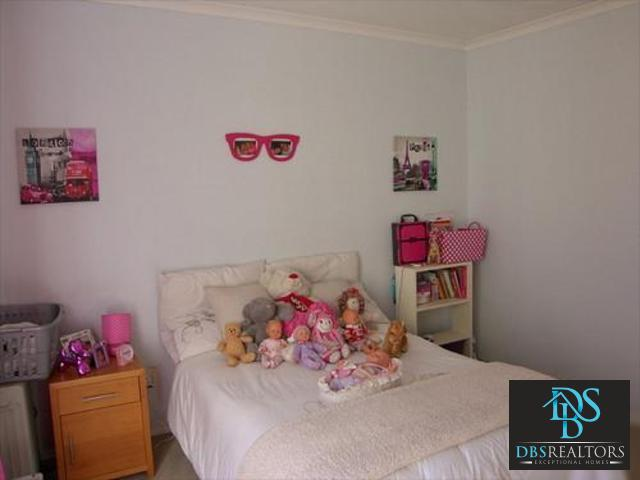 Sandown property to rent. Ref No: 3228780. Picture no 11