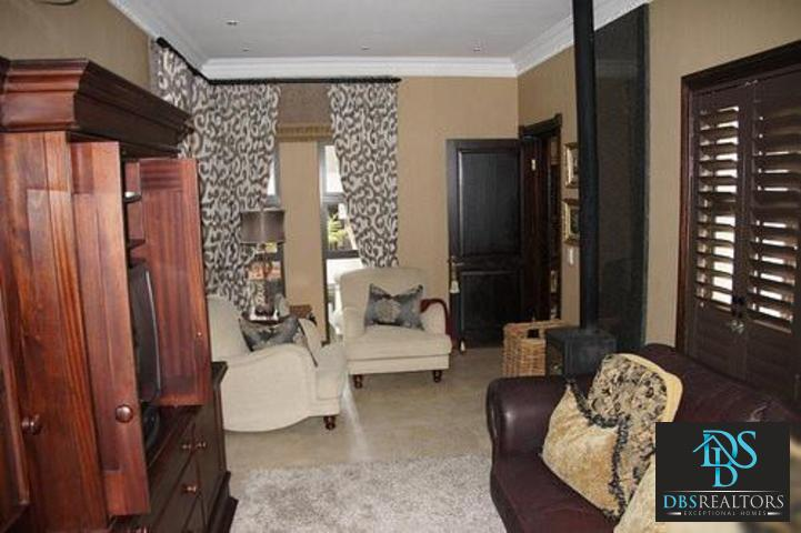 Parkhurst property to rent. Ref No: 3228134. Picture no 13