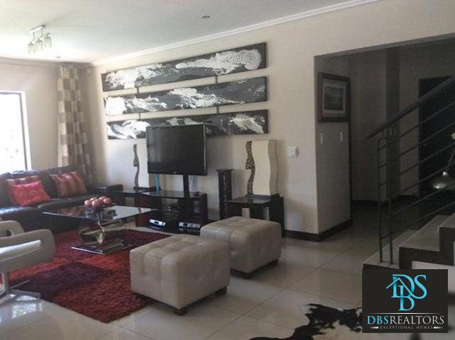 Beverly property to rent. Ref No: 13305402. Picture no 30