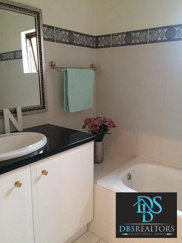 Houghton property to rent. Ref No: 3283115. Picture no 13