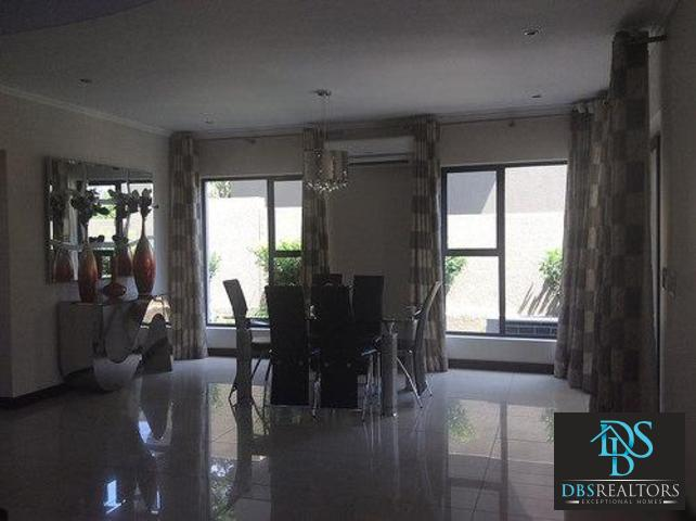 Beverly property to rent. Ref No: 13305402. Picture no 34