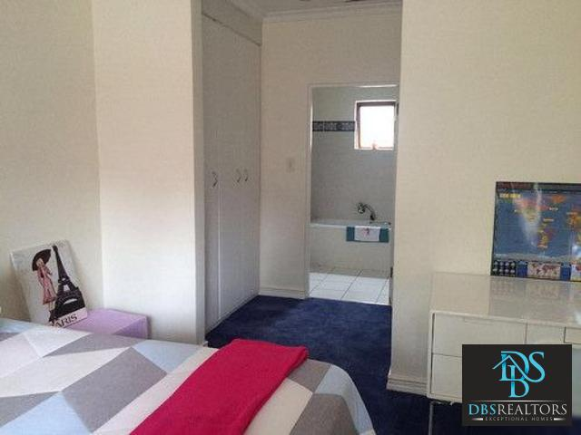 Houghton property to rent. Ref No: 3283115. Picture no 3