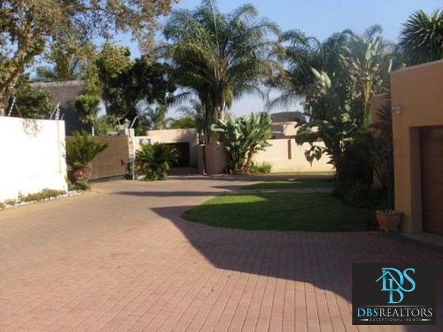 Sandton, Sunninghill Property  | Houses For Sale Sunninghill, Sunninghill, Cluster 3 bedrooms property for sale Price:2,700,000