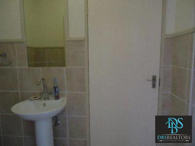 Morningside property to rent. Ref No: 3210396. Picture no 8