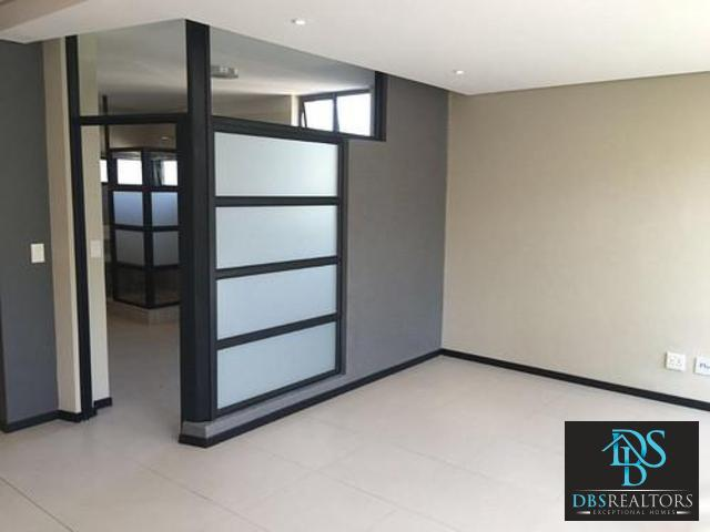 Rosebank property to rent. Ref No: 13353780. Picture no 3