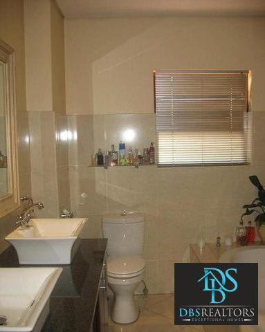 Woodmead property to rent. Ref No: 3294649. Picture no 10