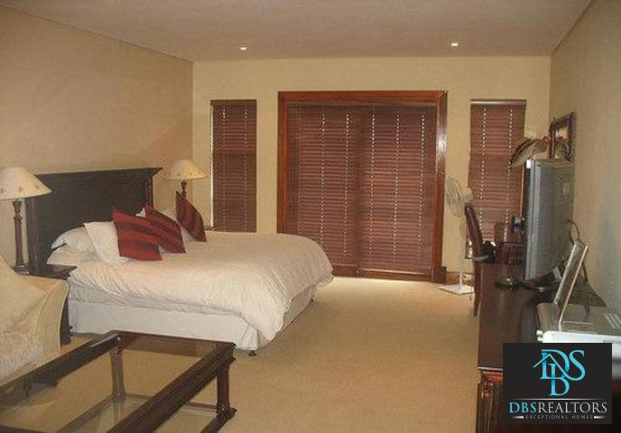 Woodmead property to rent. Ref No: 3294649. Picture no 9