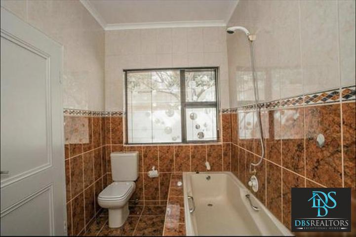 Dainfern property to rent. Ref No: 3228020. Picture no 30
