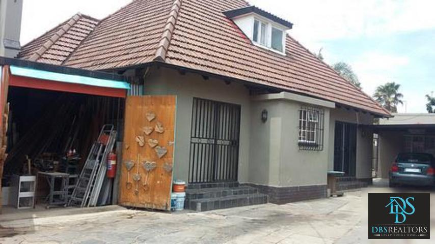 Johannesburg, Highlands North Property  | Houses For Sale Highlands North, Highlands North, House 3 bedrooms property for sale Price:1,635,000