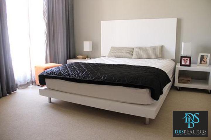 Sandown property to rent. Ref No: 3210304. Picture no 13