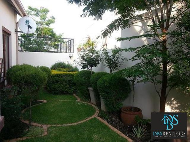 Bryanston property to rent. Ref No: 13307943. Picture no 31