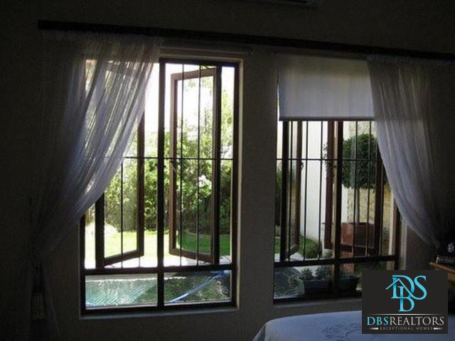 Bryanston property to rent. Ref No: 13307943. Picture no 26