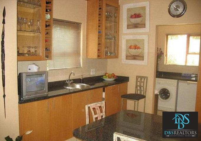 Woodmead property to rent. Ref No: 3294649. Picture no 8