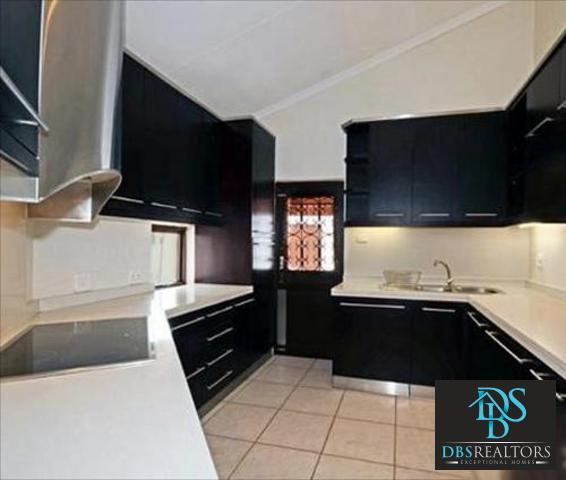 Sandown property to rent. Ref No: 3210304. Picture no 3