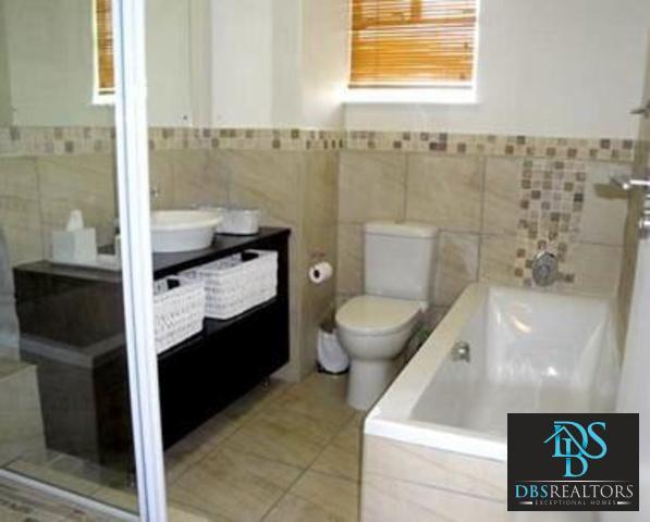 Illovo property to rent. Ref No: 3210460. Picture no 9