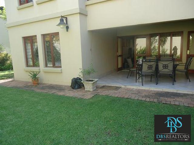 Hyde Park property to rent. Ref No: 3227993. Picture no 2