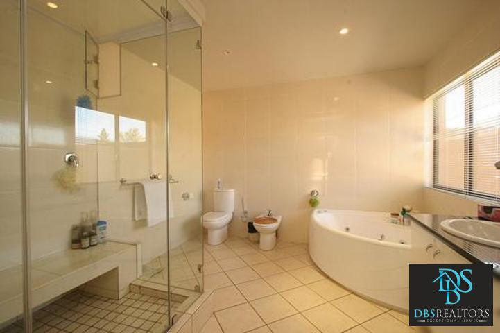 Sandown property to rent. Ref No: 3116382. Picture no 9