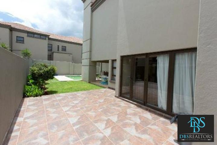 Bryanston East property to rent. Ref No: 3075338. Picture no 2