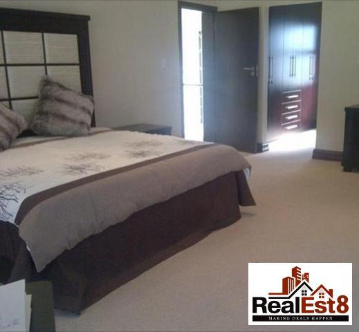 Sandown property for sale. Ref No: 3255029. Picture no 1