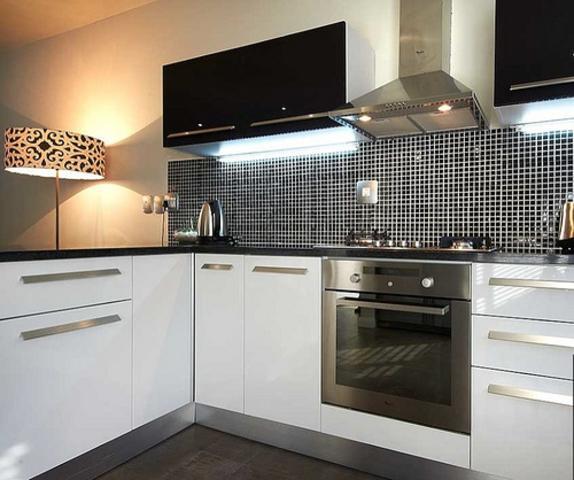 Sandown property to rent. Ref No: 3256028. Picture no 2