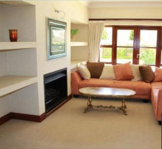 Benmore Gardens property to rent. Ref No: 3075716. Picture no 16