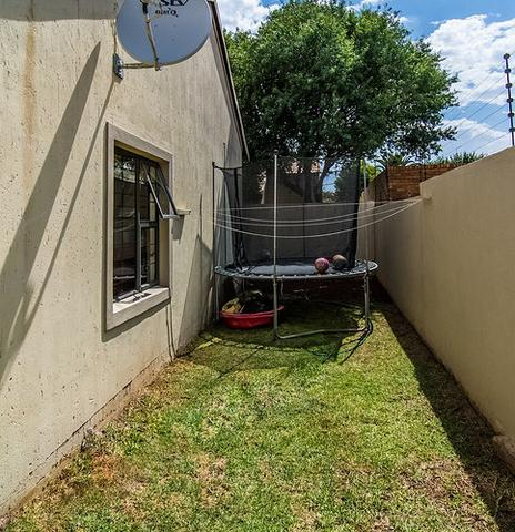 Johannesburg, Bagleston Property  | Houses For Sale Bagleston, Bagleston, Cluster 3 bedrooms property for sale Price:1,850,000