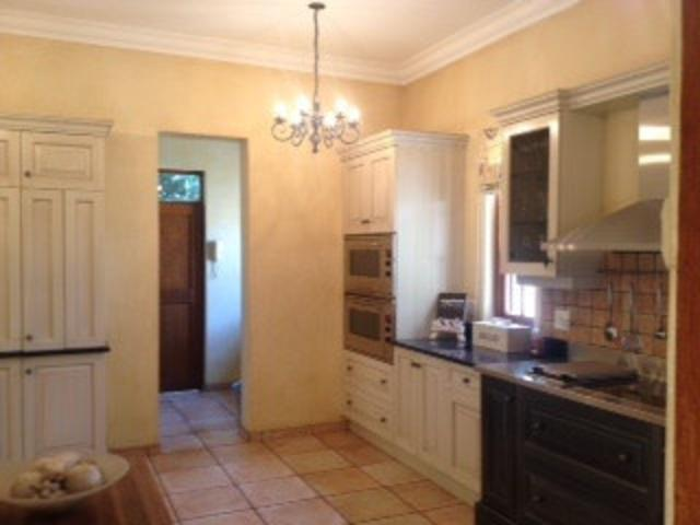 Hyde Park property to rent. Ref No: 13287030. Picture no 7