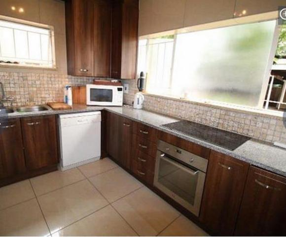 Sandown property to rent. Ref No: 13255701. Picture no 18