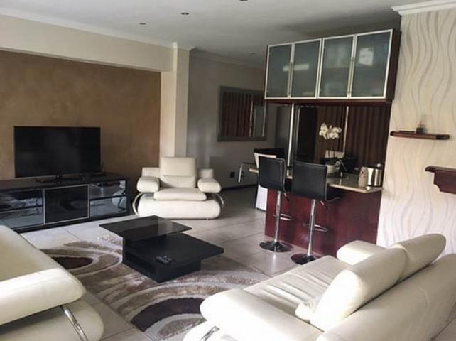 Johannesburg, Houghton Estate Property  | Houses To Rent Houghton Estate, Houghton Estate, Townhouse 3 bedrooms property to rent Price:, 17,00*