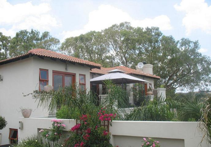 Property and Houses to rent in Woodmead, Cluster, 4 Bedrooms - ZAR , 55,00*,M
