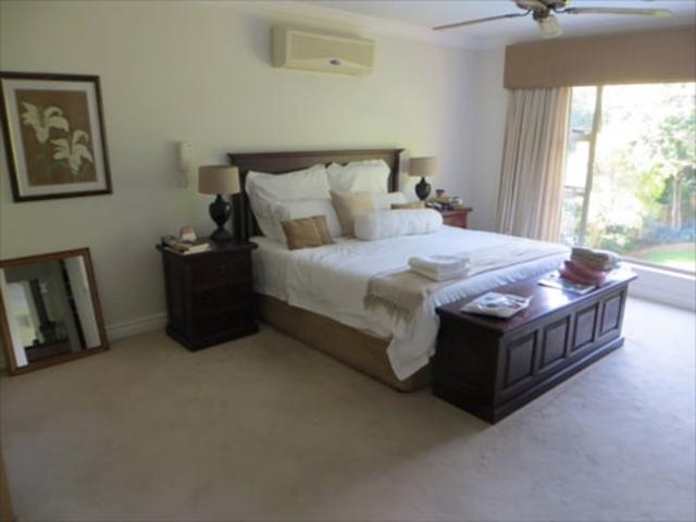 Bryanston West property to rent. Ref No: 13397642. Picture no 11