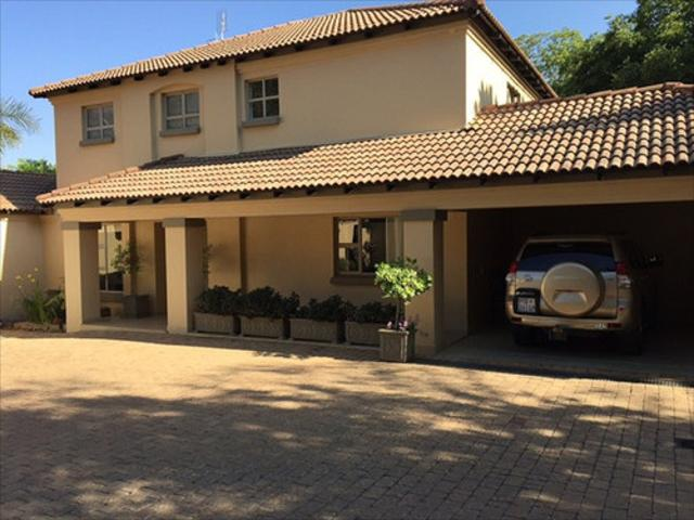 Bryanston West property to rent. Ref No: 13397642. Picture no 2
