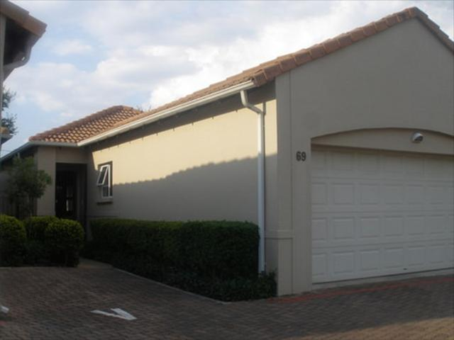 Sandton, Gallo Manor Property  | Houses To Rent Gallo Manor, Gallo Manor, Townhouse 3 bedrooms property to rent Price:, 18,00*