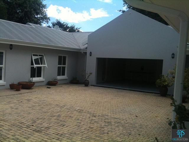 Sandhurst property for sale. Ref No: 3075906. Picture no 11