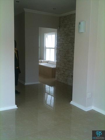 Sandhurst property for sale. Ref No: 3075906. Picture no 7