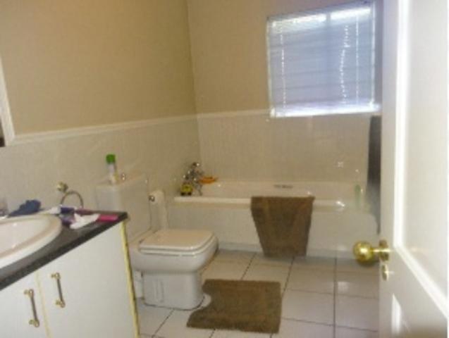 Sandown property to rent. Ref No: 3269731. Picture no 5