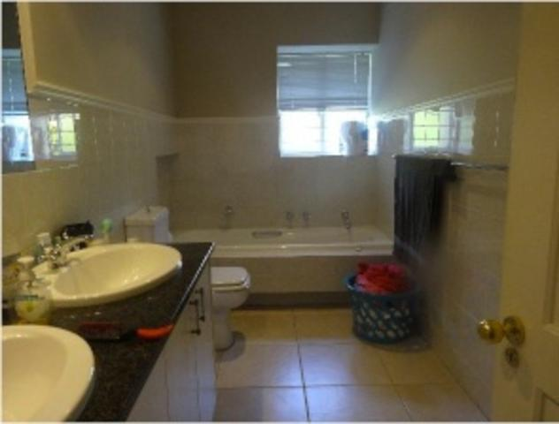 Sandown property to rent. Ref No: 3269731. Picture no 8