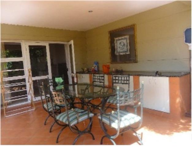 Sandown property to rent. Ref No: 3269731. Picture no 3