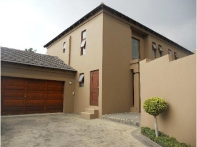 Cluster for sale in Bryanston East
