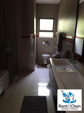 Melrose property to rent. Ref No: 13257709. Picture no 11
